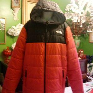 North face revesable puffer coat